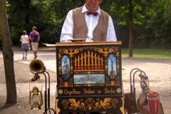 Barrel organ, Berlin-Tiergarten