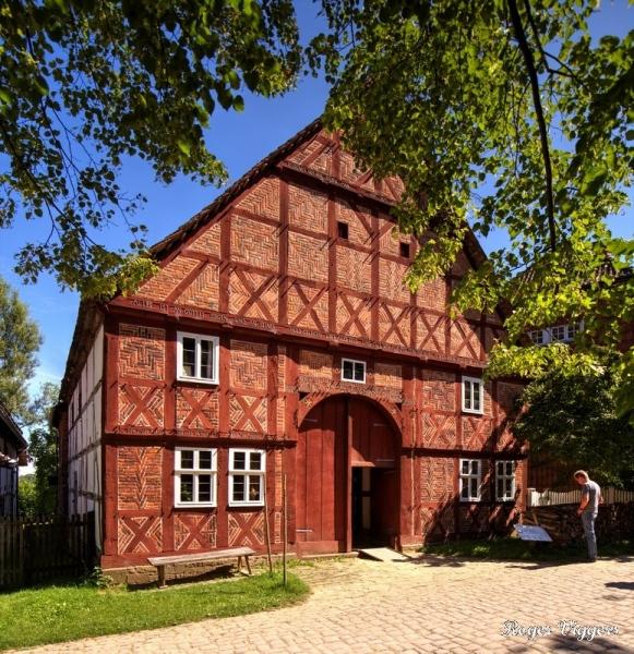 Golucke house